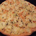 Pizza cu Cartofi si Rozmarin