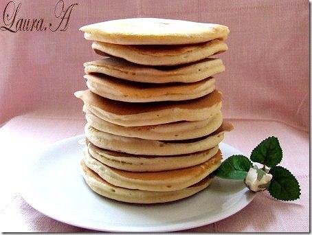 Clatite americane (American pancakes) - Laura Adamache
