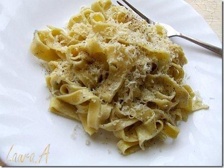 Tagliatelle cu sos gorgonzola