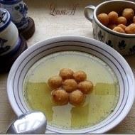 Supa de pui cu bulete de gris