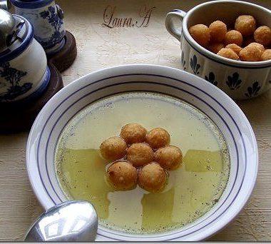 Supa Pui cu crutoane de gris