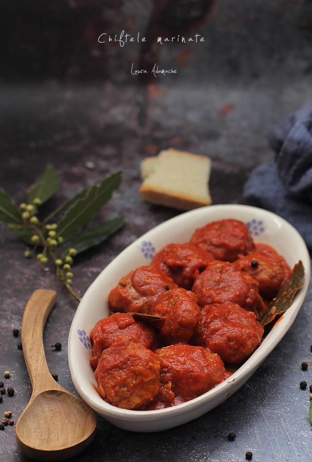 chiftelute marinate in sos de rosii