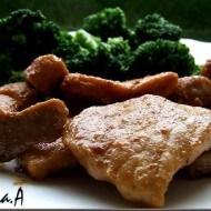 Muschiulet de porc in unt cu broccoli