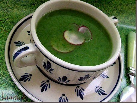 Supa de frunze de ridichi