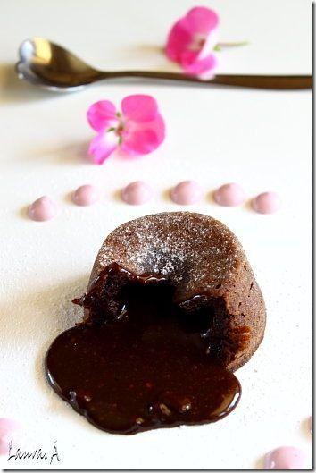 muffins-cu-inima-moale-de-ciocolata