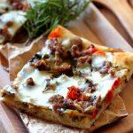 Pizza de casa cu salata