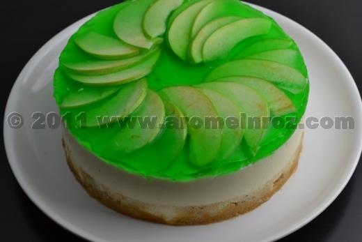 Tort cu mousse de mere si scortisoara - Arome in Roz