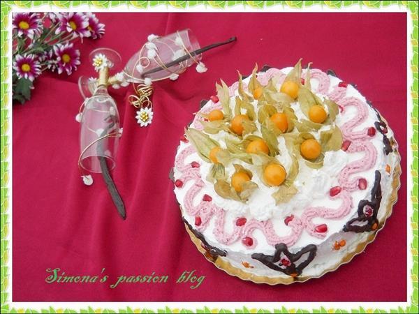 Tort exotic cu vanilie, lavanda si fructe - Reteta propusa de Simona's Passions