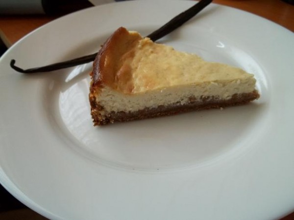 Cheesecake cu vanilie - reteta propusa de Roxana's blog