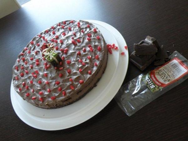 Tort mousse de ciocolata, cafea si praline - Reteta propusa de Lorena