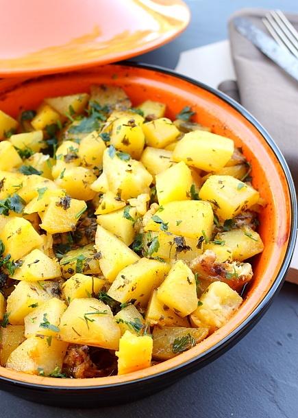 Tajine de pui cu cartofi - Retete culinare Mancaruri