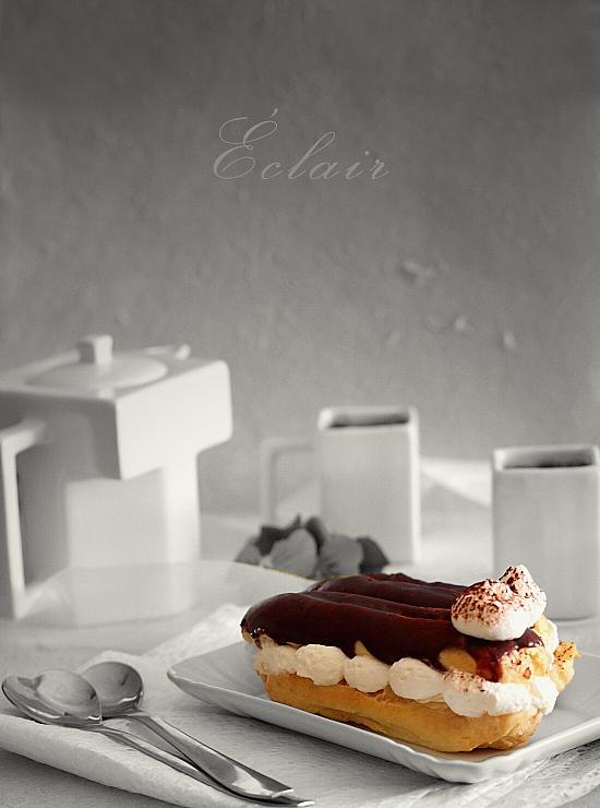 Eclere cu crema de cafea si glazura de ciocolata - detaliu final