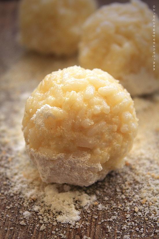 Crochete de orez umplute cu cascaval preparare
