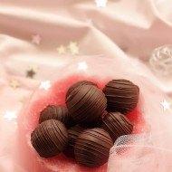 Bomboane de ciocolata cu nuca de cocos