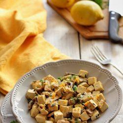 Salata calda cu tofu si ciuperci
