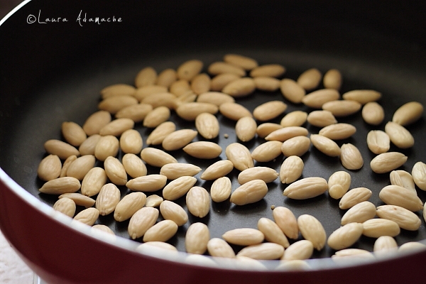 Pui cu migdale - preparare migdale pentru mancare chinezeasca