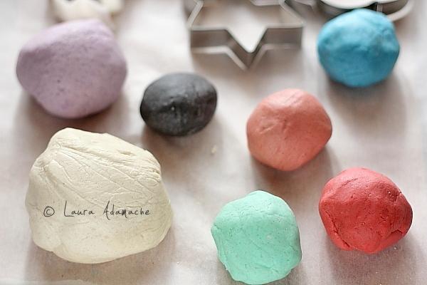 Decoratiuni pentru Craciun din pasta de sare