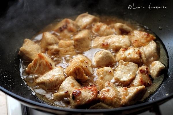 Pui cu migdale - preparare carne de pui