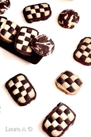 Biscuiti bicolori