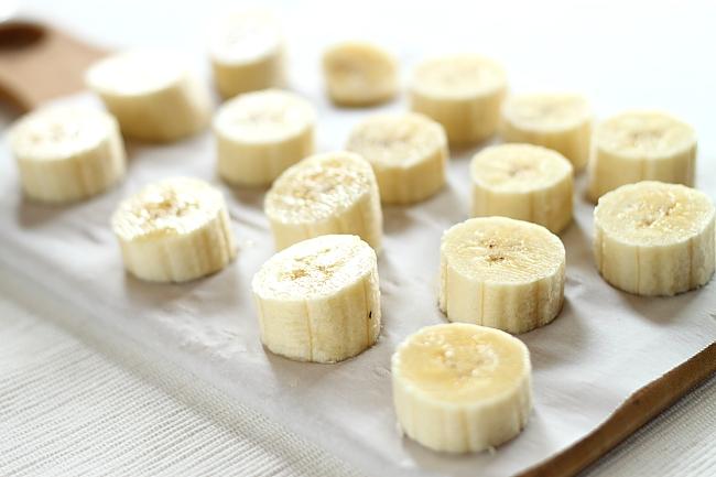 Bomboane inghetate de banane