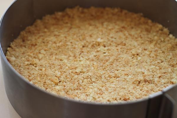 Cheesecake cu lamaie si mure blat piscoturi