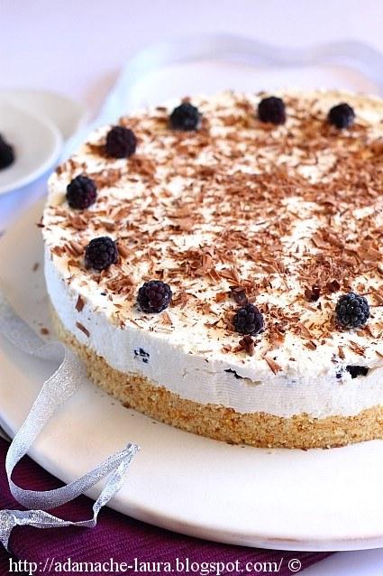 Cheesecake cu lamaie si mure
