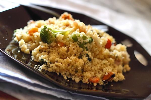 Couscous cu fructe de mare si broccoli
