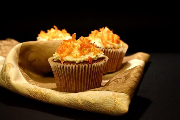 Cupcakes cu morcovi cu alune detaliu