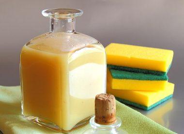 Detergent de lamaie pentru vase