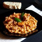 Iahnie de fasole cu slaninuta afumata