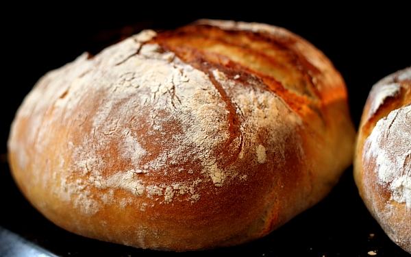 Paine rustica de cartofi detaliu paine coapta