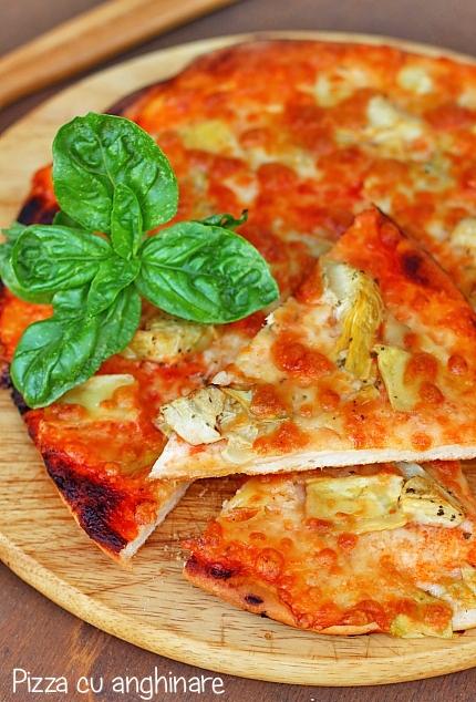 Pizza cu anghinare detaliu final