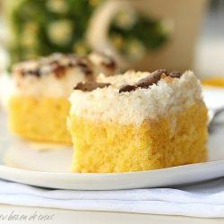 Prajitura de vanilie cu bezea de cocos