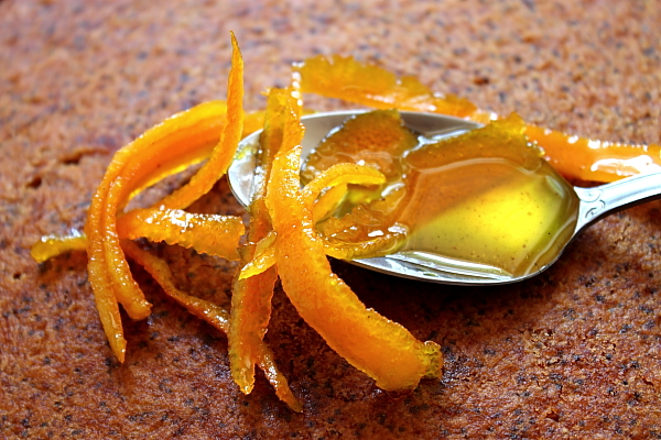 Prajitura de portocale cu mac insiropata