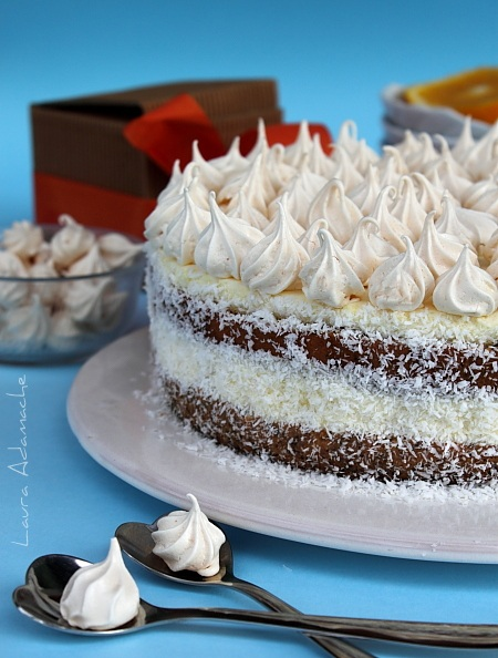 Tort cu crema de portocale si ciocolata alba- detaliu