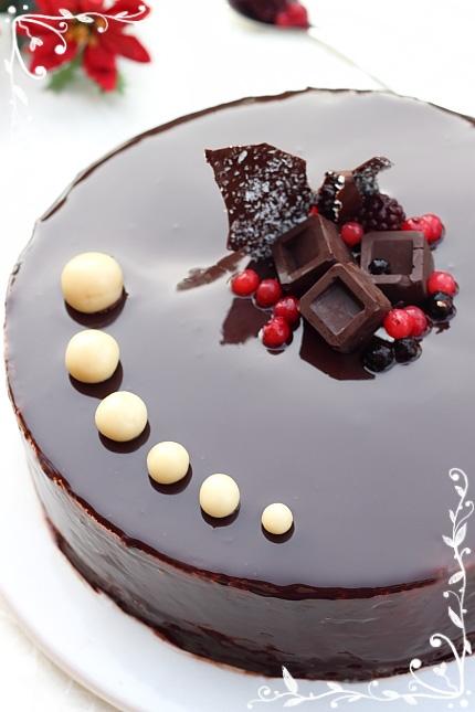 Tort cu fructe de padure - detaliu tort