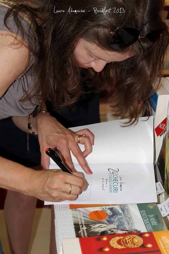 Carte de bucate - autograf Laura Bookfest 2013