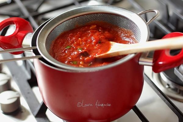Sos de rosii - preparare sos
