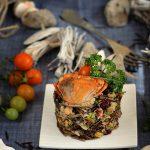 Salata de orez salbatic cu fructe de mare