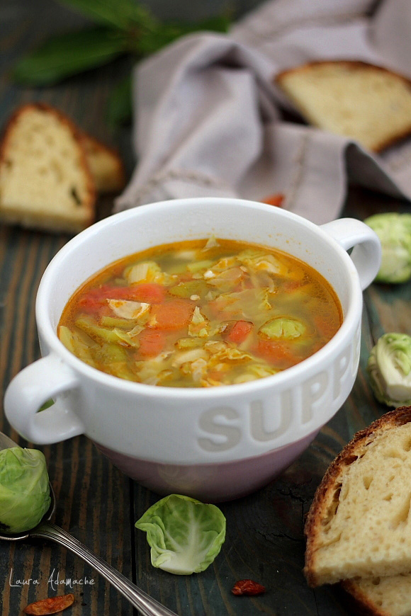 Supa de bruxelles in bol