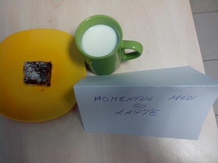 prajitura-moment-lapte