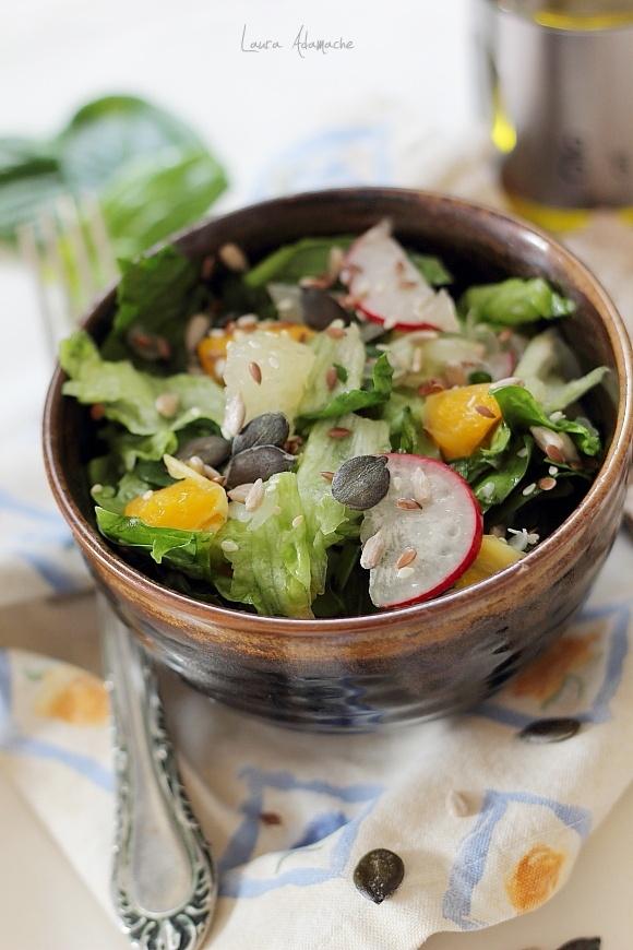 Salata de spanac si pomelo detaliu