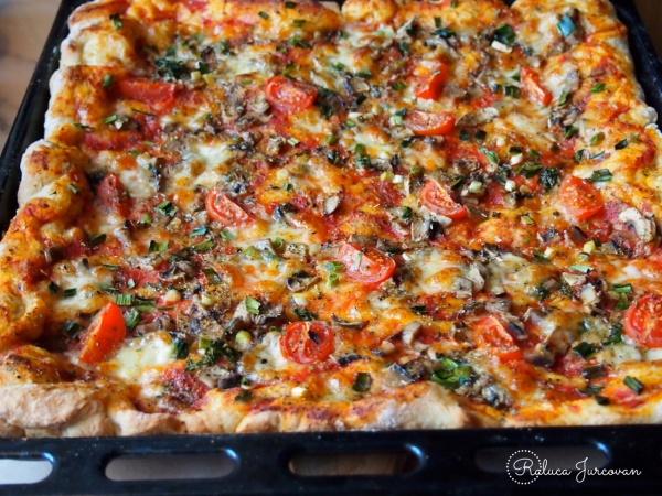 pizza-usturoi-verde