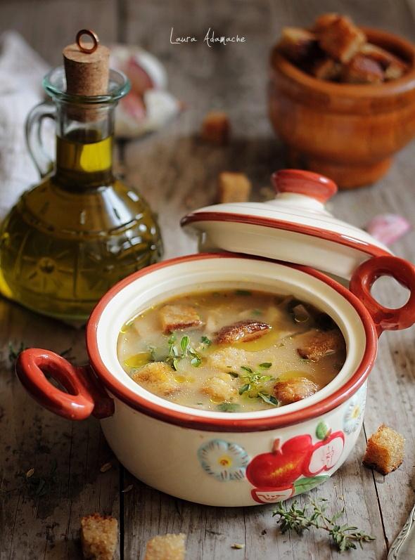Ciorba de ciuperci champignon - Retete culinare Ciorba