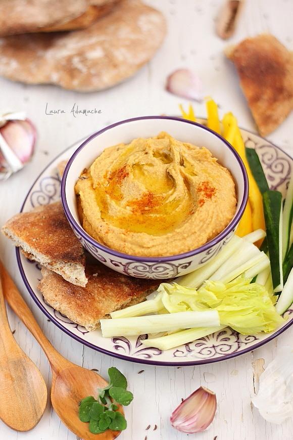 Hummus cu ardei copti si naut Sun Food
