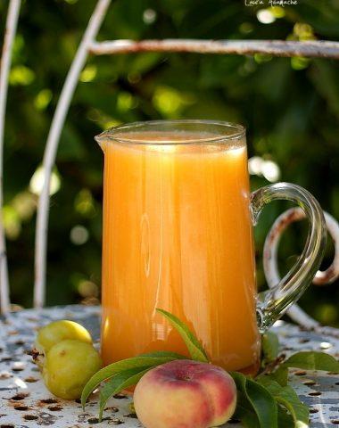 Carafa cu nectar de fructe