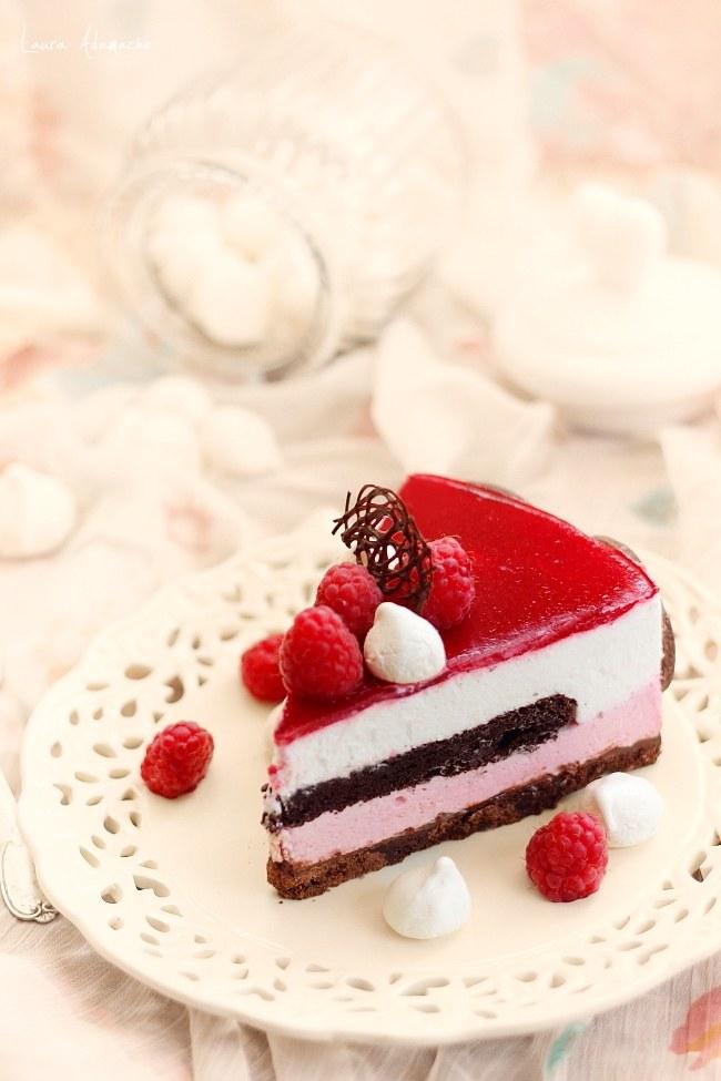 Felie tort zmeura