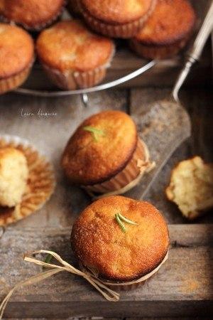 Muffins mere si scortisoara