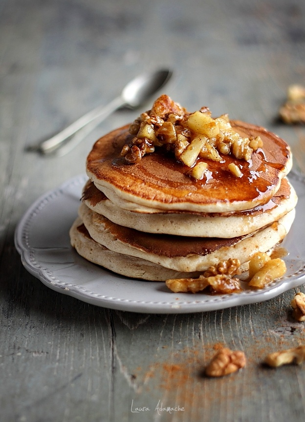 Pancakes cu mere detaliu