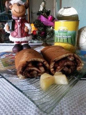 Rulada-cu-ananas-si-ciocolata-3